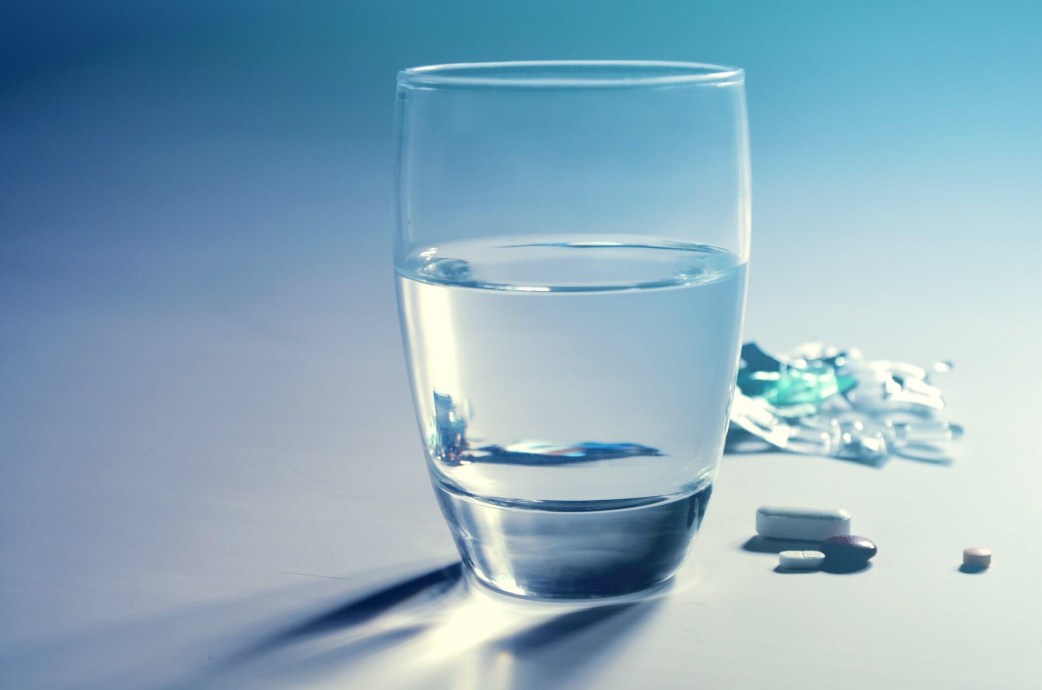 стакан воды картинки для презентации любви черкну